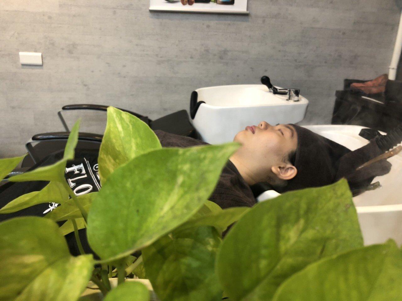【體驗文】西屯區染燙Flora hair台中髮廊 專業剪染燙護髮髮型Salon 57